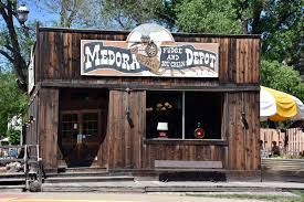 medora explore it adore it where to eat