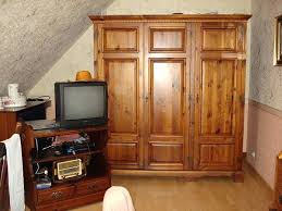 chambre style colonial armoire style colonial great room colonial armoire penderie style