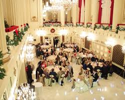 tbdress blog pew christmas themed wedding