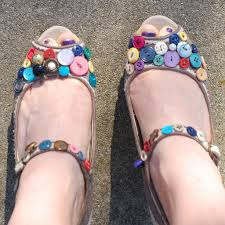 How To Decorate Shoes Customize Your Own Shoes 6 Ways To Decorate Shoes With Fun Bling