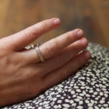 4mm ring ar nu 9ct gold 4mm oak leaf carved ring