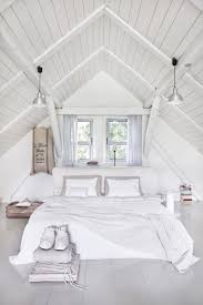 50 ideas for placing a bed in front of a window designrulz in addition the negative chi may impact one s financial situation 1 is it bad luck to place my bed under a window patty tran feng shui writer and