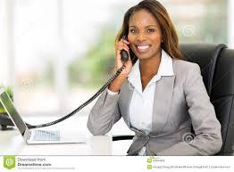 employé de bureau téléphone africain d employé de bureau photo stock image du mignon