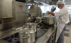cuisine hopital le télégramme guing hôpital 500 000 repas préparés en cuisine