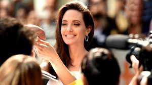 exclusive angelina jolie gushes about son maddox u0027s work ethic