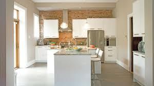 briques cuisine aire de fête dans la cuisine les idées de ma maison