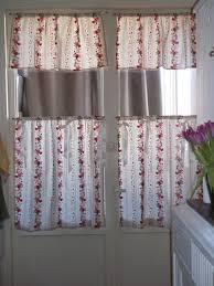 paire de rideaux brise bise pour cuisine esprit romantique