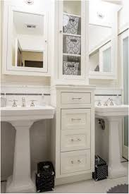 Bathroom Pedestal Sink Ideas by Best 25 Small Pedestal Sink Ideas Only On Pinterest Pedestal