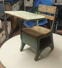 Small Child Desk Vintage American Seating Company Small Child S School Desk Wood