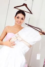 wedding dresses to hire want a wedding dress can t afford to it designed where do