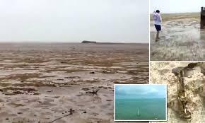 rare phenomenon water from bahamas beach daily mail online