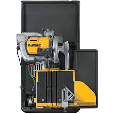Tile Cutter Rental Lowes by D24000s Dewalt Wet Tile Saw U0026 Stand Contractors Direct