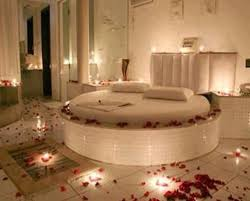 pictures of romantic bedrooms alluring romantic bedroom roses with 24 romantic bedroom roses auto
