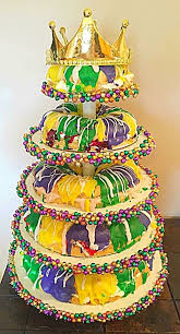 king cake for mardi gras 78 best green wave weddings images on new orleans