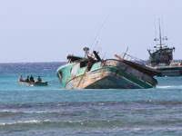 hawaiian women u0027s sea rescue tale comes under scrutiny honolulu