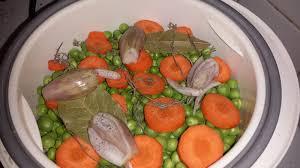 cuisiner les petits pois cuisson des petits pois frais à la vapeur la cuisine de sosso