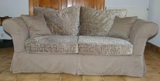housse sur mesure canapé housse de canapé sur mesure la déco à façon artisan tapissier