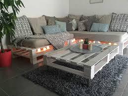 fabriquer un canapé en bois salon en palette de bois