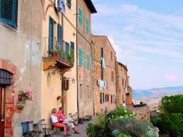 eurotravelogue guided tour to the tuscan hilltop town of pienza