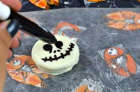 Where Can I Buy White Chocolate Covered Oreos Jack Skellington Oreo Treats Simplistically Living