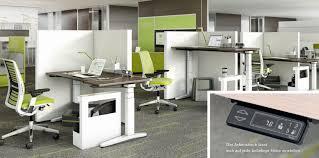 B O Schreibtisch Kaufen Ology Der Erste Arbeitsplatz Der Sich Auf Den Menschen Einstellt