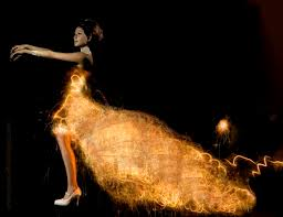 maria elisa duque light dresses long exposures with light