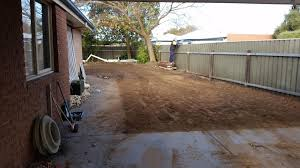 back yard clean ups leveling and rubbish removal now avaliable