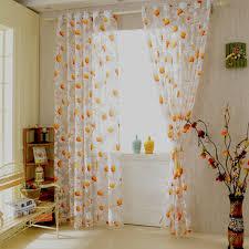 Wohnzimmer Tapeten Weis Hausdekorationen Und Modernen Möbeln Geräumiges Wohnzimmer