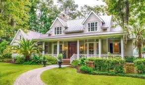 Style House by Just 18 Miles South Of Savannah Georgia Is The Desirable Area Of