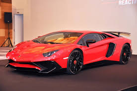 lamborghini aventador features lamborghini aventador lp 750 4 superveloce roadster color
