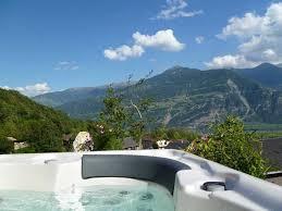 hotel en suisse avec dans la chambre chambre d hotes avec table duhtes dans notre suite avec