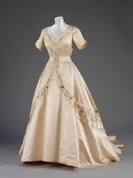 norman dresses 1951 wedding dress norman hartnell via the albert