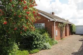 tudor bungalow 2 bed detached bungalow for sale in tudor close malvern wr14