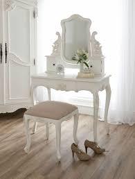 coiffeuse pour chambre chambre style baroque luxueuse et pleine de caractère coiffeuse