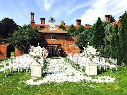 Small Barn Wedding Venues Barn Wedding Venues Hitched Co Uk