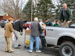 donate food for thanksgiving warwick ecumenical council distributes 220 thanksgiving day food