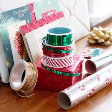 christmas gift wrap how to wrap christmas presents 10 gift wrapping tips tricks