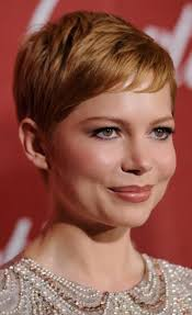 best haircut for a long neck michelle williams has best haircut for long necks and round faces