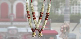 flower garlands for indian weddings flower shop choosing fragrance garlands that suit your weddings