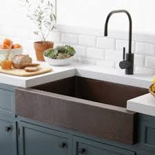 vasque de cuisine cuisines idee evier cuisine cuivre la cuisine équipée avec évier