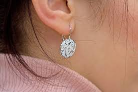 allergy earrings allergic cellulitis of the ear livestrong