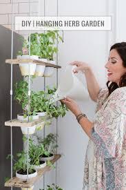 Diy Herb Garden Box by 25 Best Hanging Herb Gardens Ideas On Pinterest Kitchen Herbs