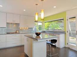 kitchen cabinets ideas colors 15 awasome two tone kitchen cabinets to make your space shine