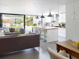 cuisine blanche ouverte sur salon cuisine blanche ouverte sur salon maison design sibfa com