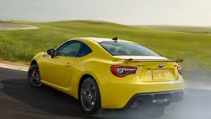 subaru sports car 2017 toyota 86 vs subaru brz buy this not that