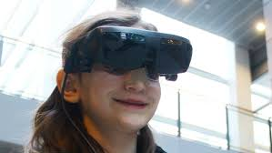 What Is Legally Blind Legally Blind Grade 4 Student Sees With High Tech Glasses Ottawa