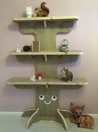 boom boekenplank bos wood woodland tree bookshelf forest baby