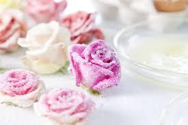 hochzeitstorten dekorieren zuckerblumen für tortendeko selber machen gezuckerte