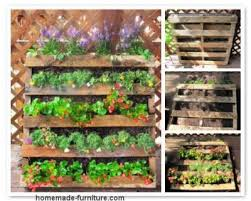 vertical garden examples and planters from reclaimed wood and pallets