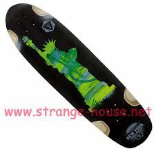 bustin modela strangehouse online skateshop